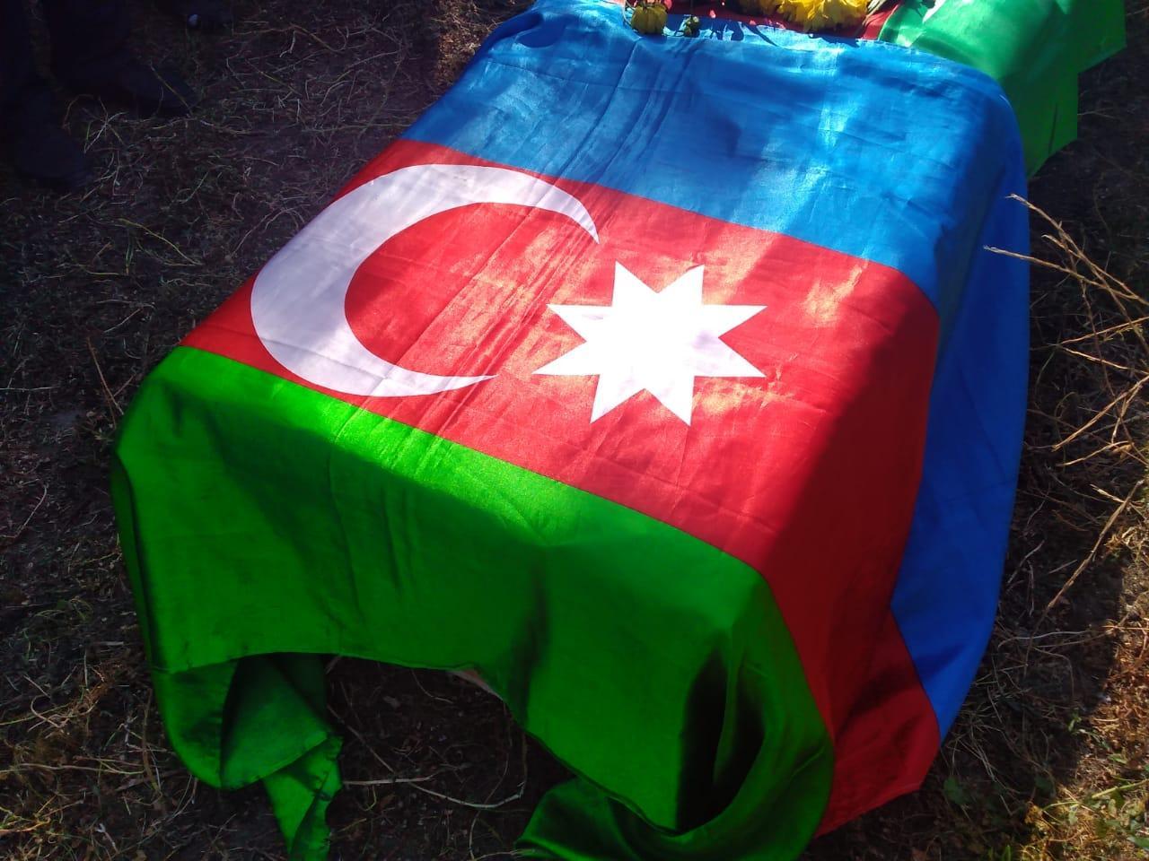 Azərbaycan daha bir şəhid verdi  - Döyüş davam edir