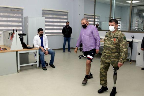 Azərbaycanda hazırlanmış ilk müasir protezlər  - Qarabağ döyüşçülərinə verildi