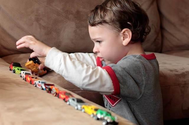 Azərbaycanda autizmin müalicəsi mümkün oldu  – Psixoterapevtdən yüz faizlik nəticələr