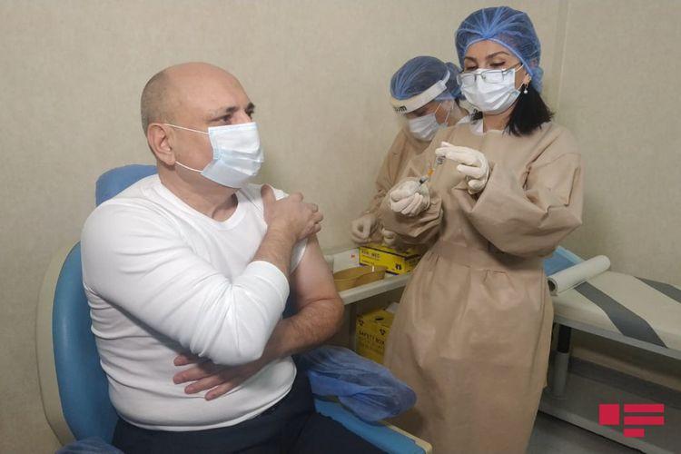 Partiya sədrlərinin vaksinasiyasına başlanıldı -  FOTOLAR