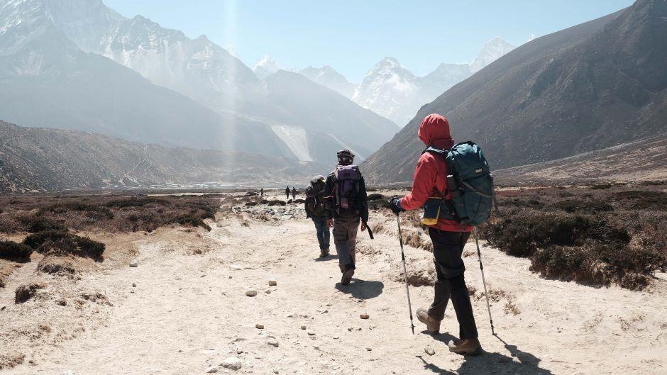 Alpinistlər Everestdən koronavirusun yeni ştammını gətirdilər  - Daha yoluxucudur