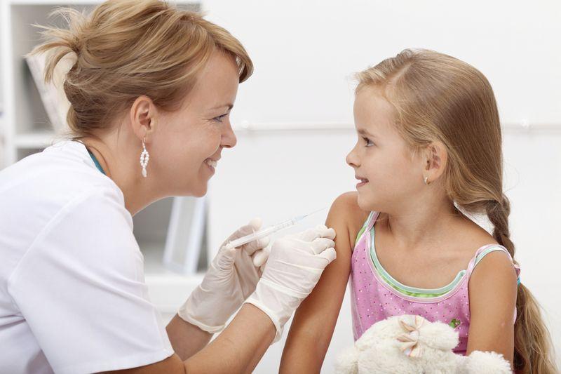 Rusiyalı valideynlər uşaqlarının vaksinasiya olunmasından  İMTİNA ETDİLƏR