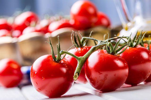 Pomidoru belə yemək ürəyə ziyandır  – Professordan xəbərdarlıq