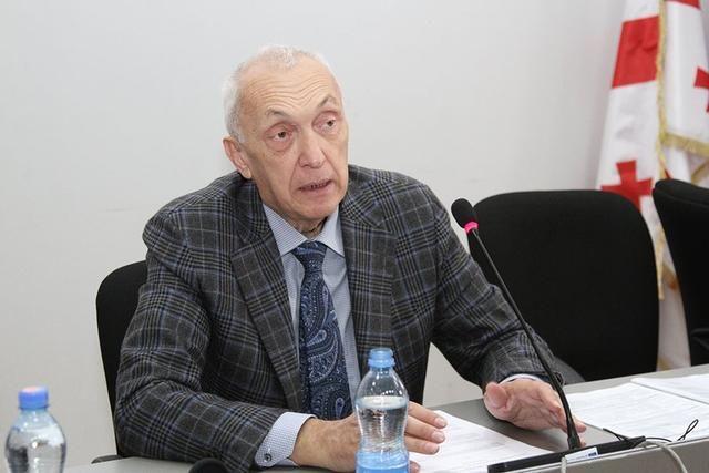 """""""Səhiyyə sistemi bu vəziyyətə tab gətirməyə bilər"""" -  Baş infeksionist"""