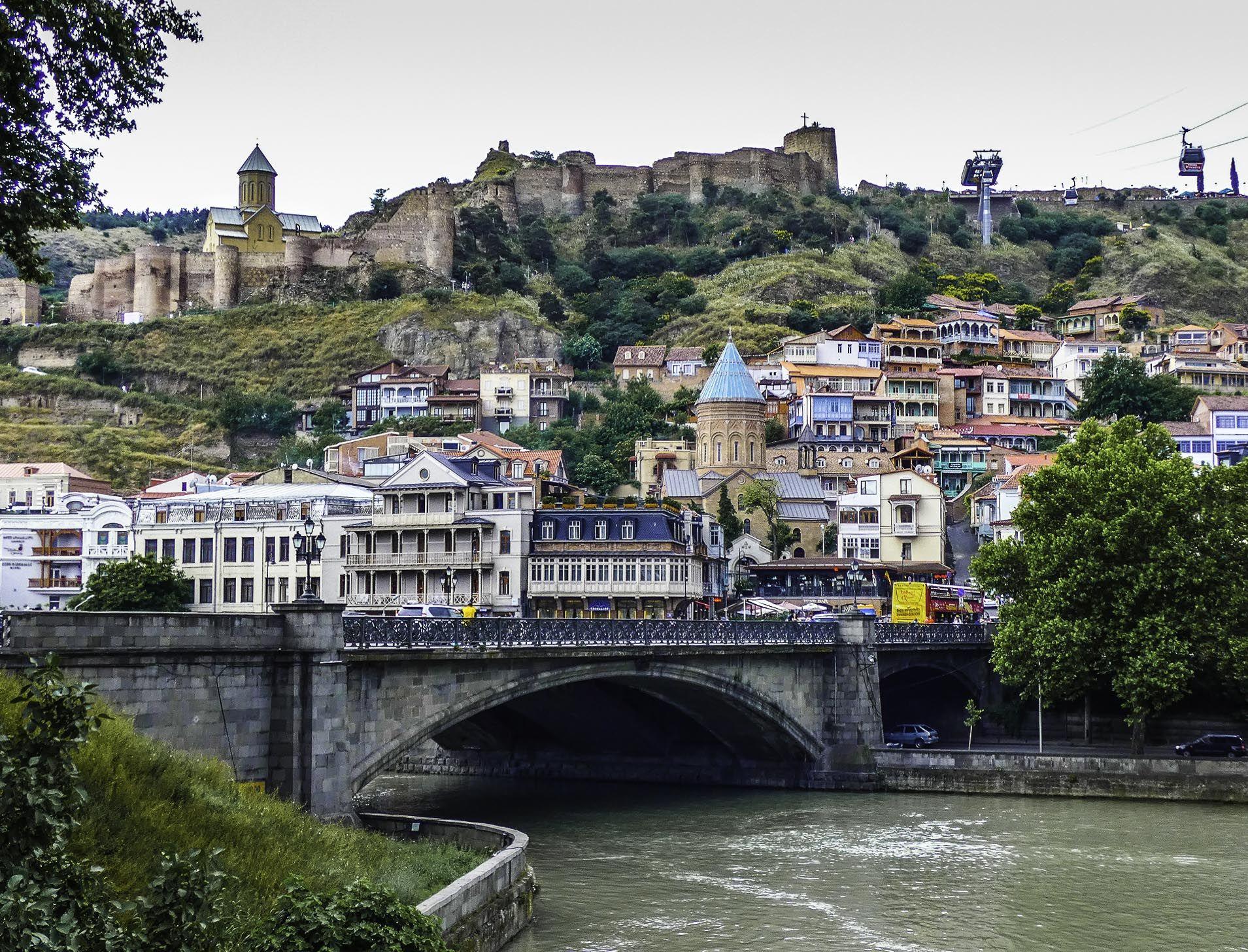 Gürcüstanda koronavirusla bağlı daha bir  MƏHDUDİYYƏT