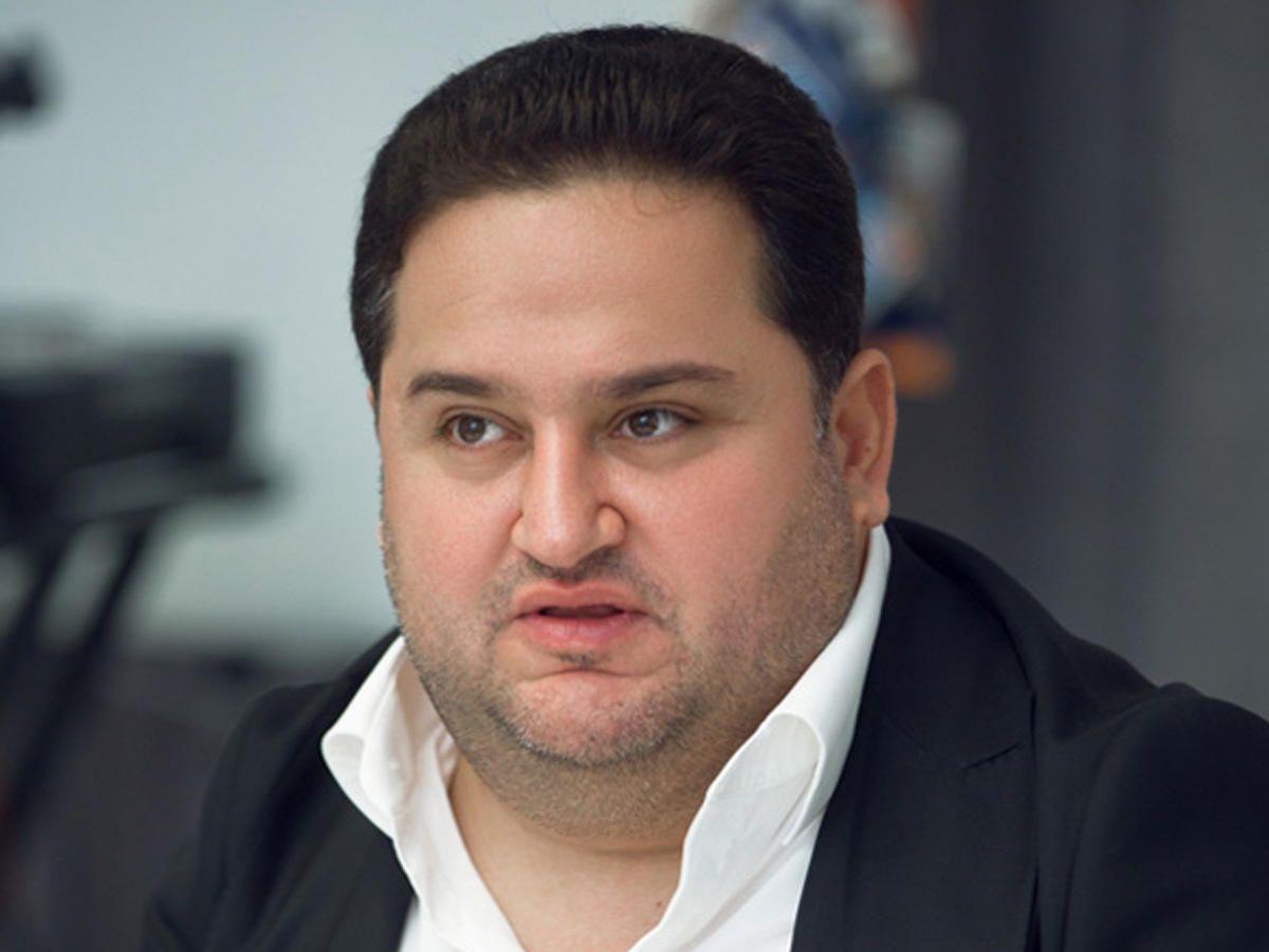 Murad Dadaşovun yeni görkəmi müzakirələrə səbəb oldu -  FOTO