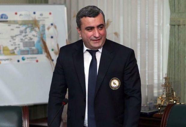 """""""Vaksin olunduğum üçün yüngül keçirdim"""" -   ECMO-ya qoşulan jurnalistin həyat yoldaşı"""