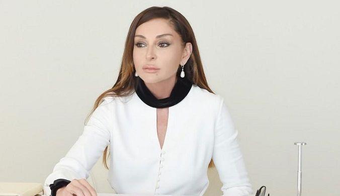 Tanınmış jurnalistin anası Mehriban Əliyevaya müraciət etdi -  FOTO
