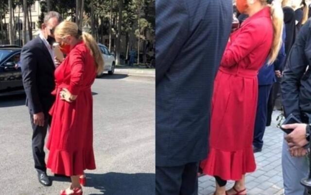 """Bu xəstəxananın baş həkimi  """"Anım Günü""""nə qıpqırmızı geyindi - FOTO"""