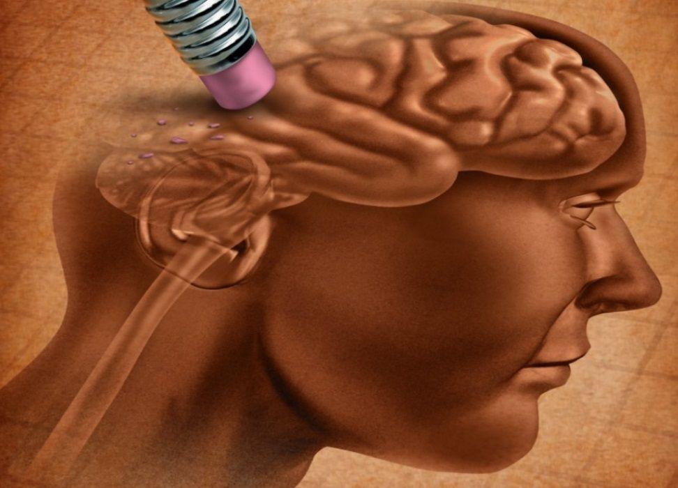 Nevroloq erkən demensiyanın ilk əlamətini  – AÇIQLADI