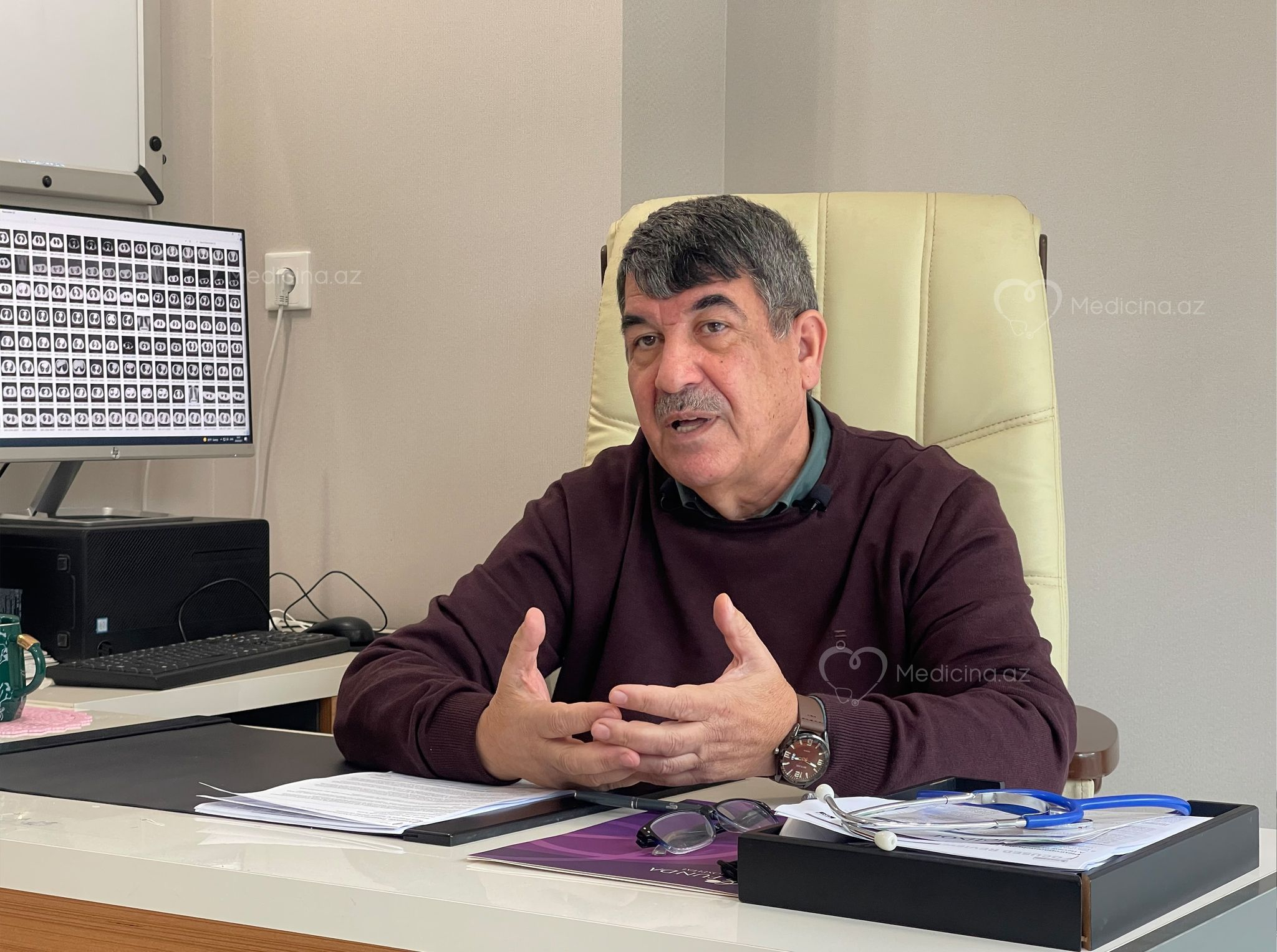 """Azərbaycanlı professor 4 doza kovid peyvəndi vurdurub -  """"İki doza Cinovac, iki Pfizer, 5-ci də olacaq"""""""