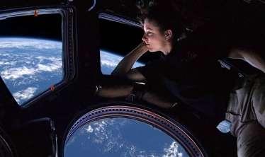 Alimlər kosmosda doğmağa razı olan qadın axtarır -  Milyonlarla dollar xərclənəcək
