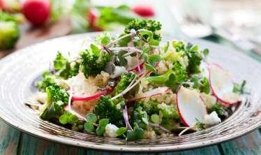 Gül kələmi və brokollidən salat –  Uşaqlara da hazırlayın