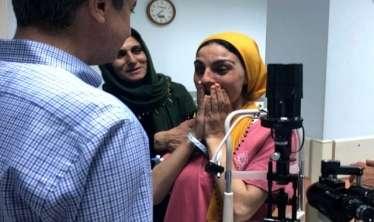 """21 yaşlı qıza göz nəql edildi: - VİDEO  """"İşığı ilk dəfə gördüm!"""""""