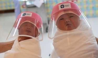 Pandemiya dövründə yenidoğulmuşların problemi  -  Nəyə görə körpələr koronavirusdan ölə bilər?