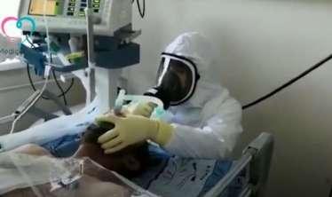 Azərbaycanlı həkimin koronavirus xəstəsini xilas etmə anı    – Ürəyi zəif olanlar baxmasın - VİDEO