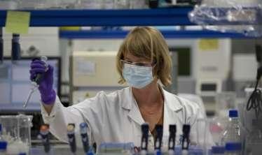 ÜST:  Koronavirusla bağlı 8 peyvənd klinik sınaqların sonuncu mərhələsindədir