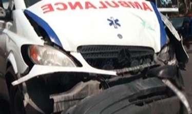 Təcili tibbi yardım maşını qəzaya düşdü:  tibb işçiləri yaralandılar