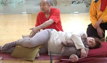 Yatanda 5 yastıq istifadə edin -  Çinli həkimdən qızıl tövsiyə