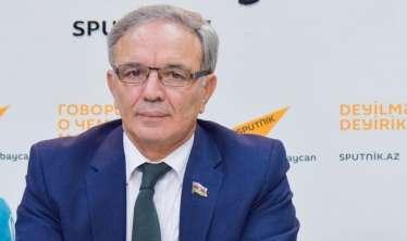 """""""Gündə 50-100 jurnalistin peyvənd olunmasını planlaşdırırıq"""" -  Əflatun Amaşov"""