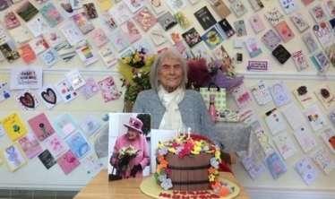 107 yaşlı qadın çox yaşamasının sirrini açdı   - Çayı belə içir