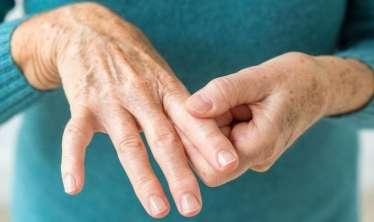 Oynaq, revmatoid artrit, artroz xəstələri peyvənd olunmalıdırmı?  – Həkimdən CAVAB